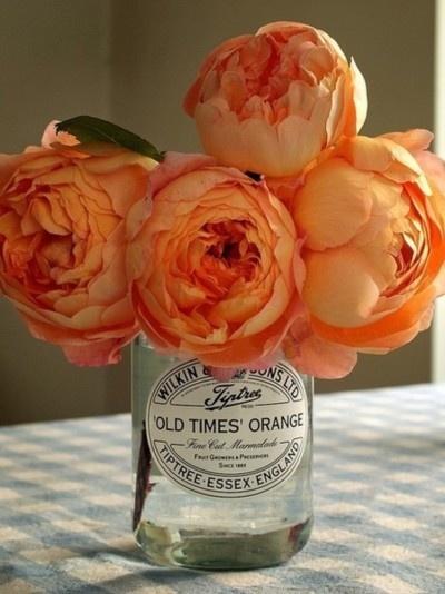 centro-de-mesa-de-flores-naranjas