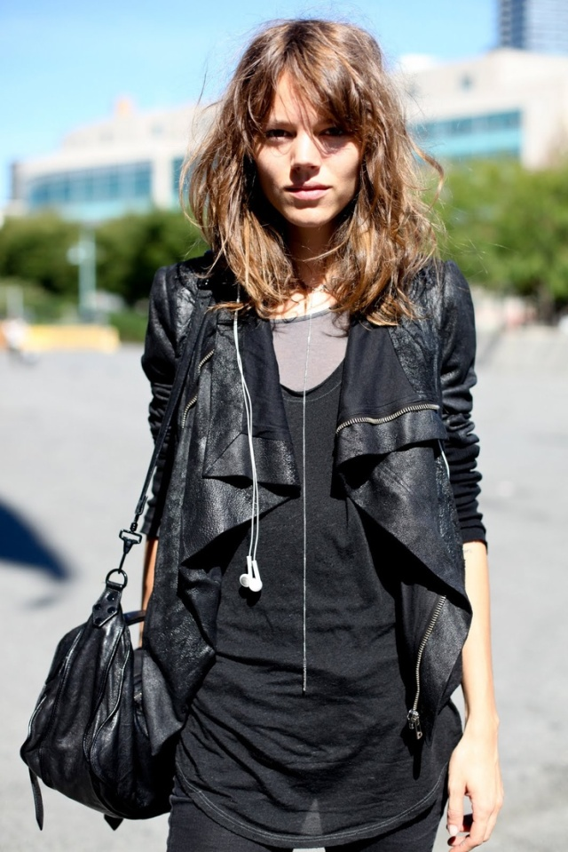 freja-beha-always-black