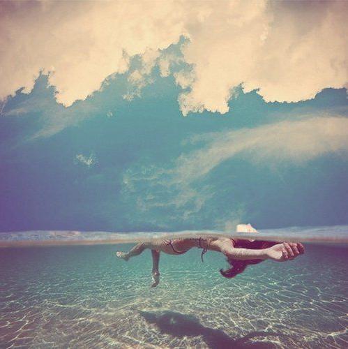 Tú, tú misma, y el mar.