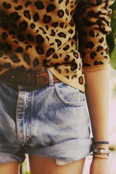 shorts-vintage-con-jersey-de-leopardo